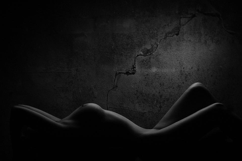 erotika ve tmě