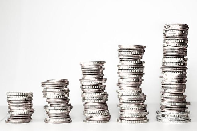 sloupky z mincí