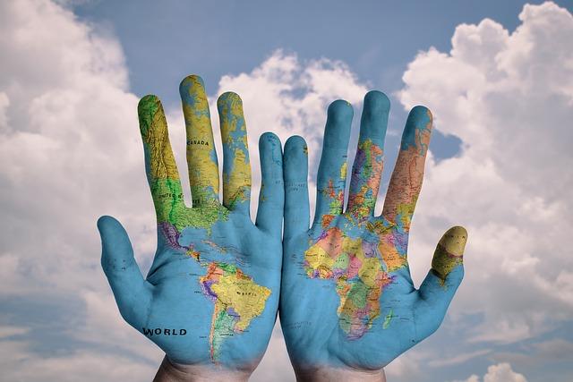 Země na dlaních.jpg