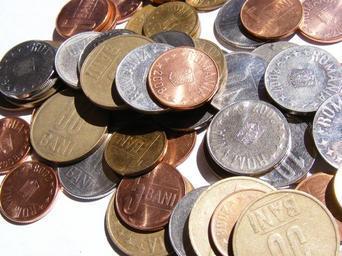 spousta mincí